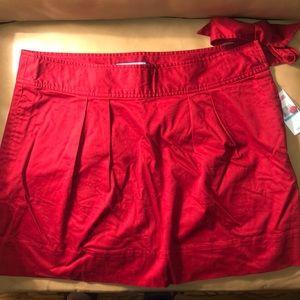 Red Vinyard Vines skirt